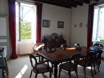Lot et Garonne, Monflanquin 47150 Maison de Maître avec piscine et 3 Granges, potential gîte 16/18