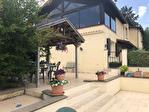 TARN ET GARONNE  PROCHE LAUZERTE  Maison au bord dy village avec 7 chambres, piscine 1.39 hectares jolie views 14/18