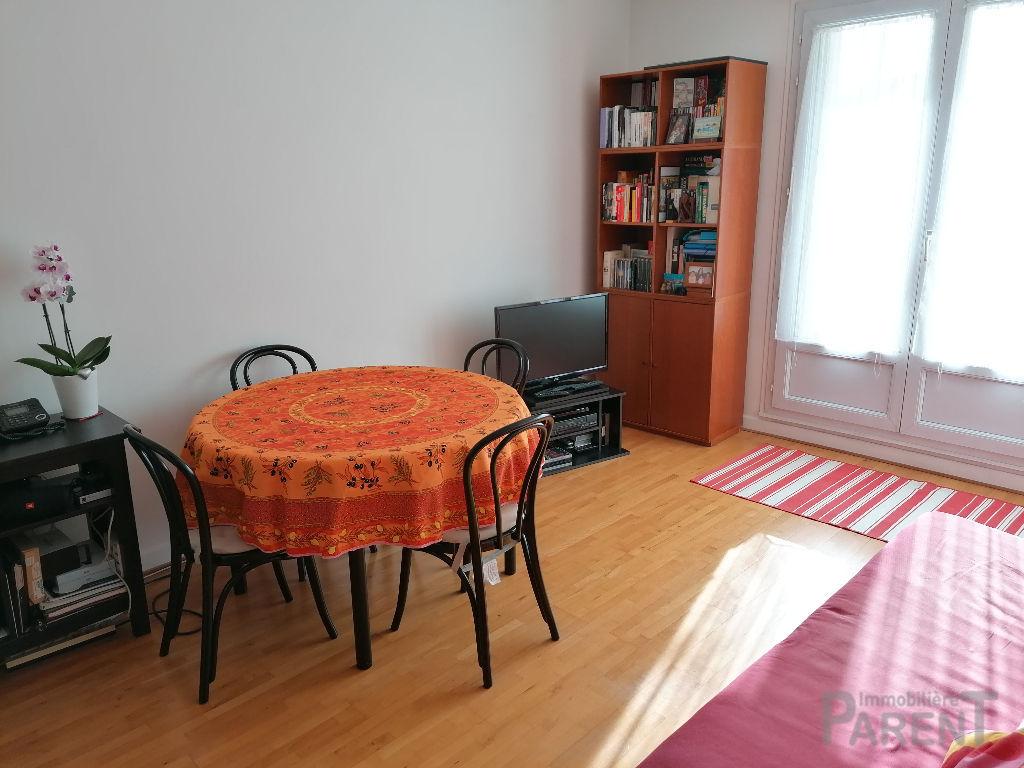 Appartement Issy Les Moulineaux 3 pièce(s) 65 m²