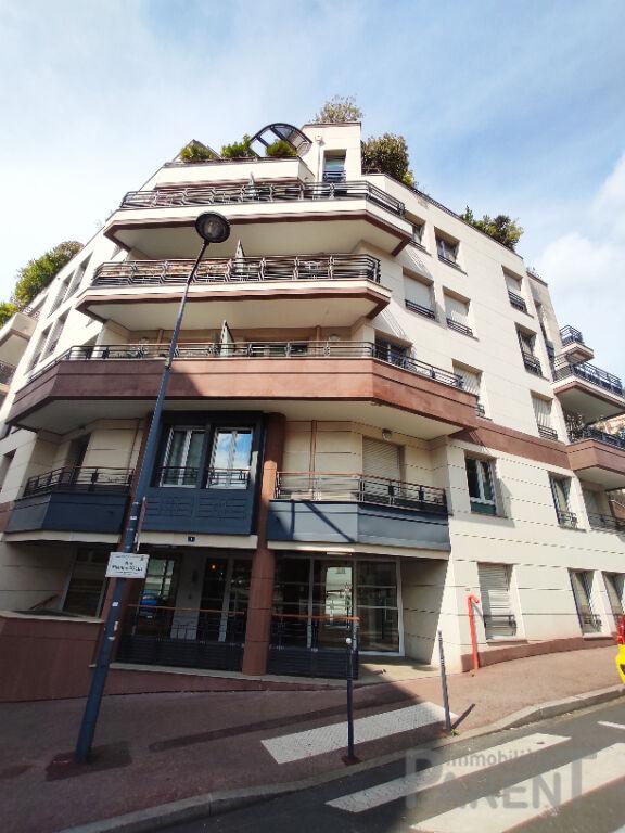 ISSY-LES-MOULINEAUX - 2 pièces de 38,59 m² + Cave + Parking