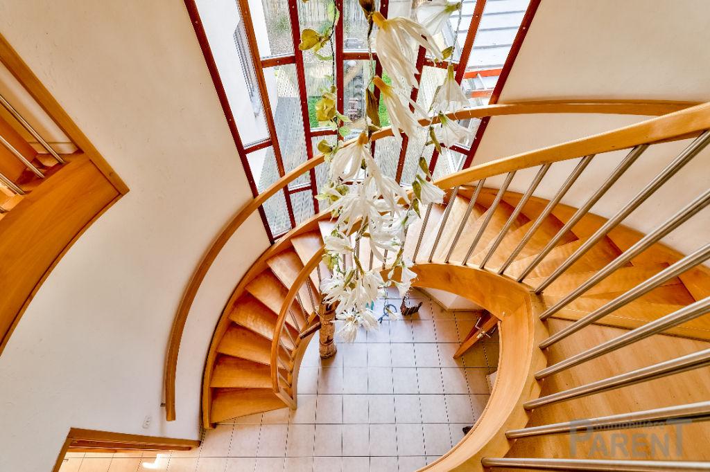 Chatillon - Maison d'architecte de 204 m2 au calme sur parcelle de 623 m2