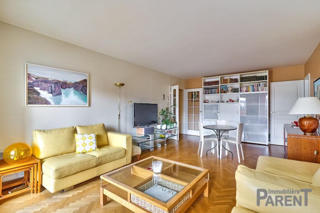 ISSY - Villa Haussmann - très beau 3 pièces 73.5 m² avec terrasse cave et parking double