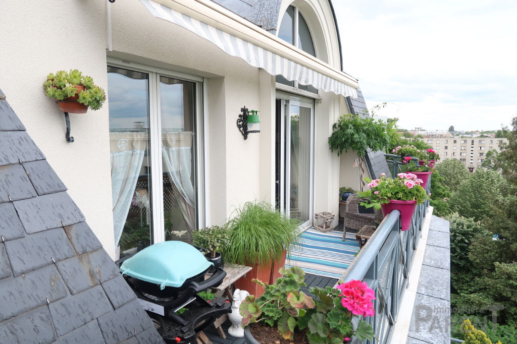 CHÂTILLON  - centre Ville -  3 pièces  dernier étage , terrasses