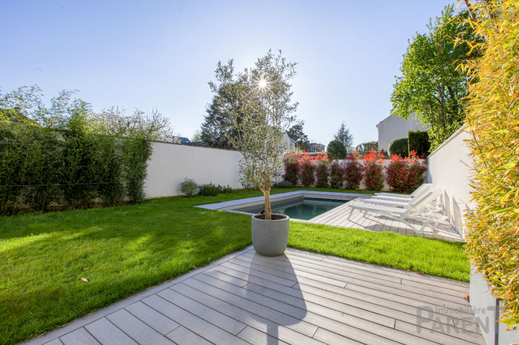 Maison d'architecte d'exception de 2015 - Clamart - 180 m2 avec jardin 150 m2, piscine, garage.