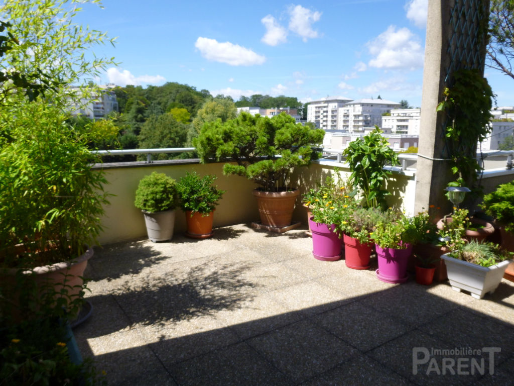 Chatillon:  5 pièces de  105.60 m² avec terrasses