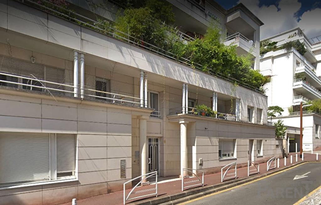 Issy Ile St Germain : 3 pièce(s) 70.19 m2 Balcons