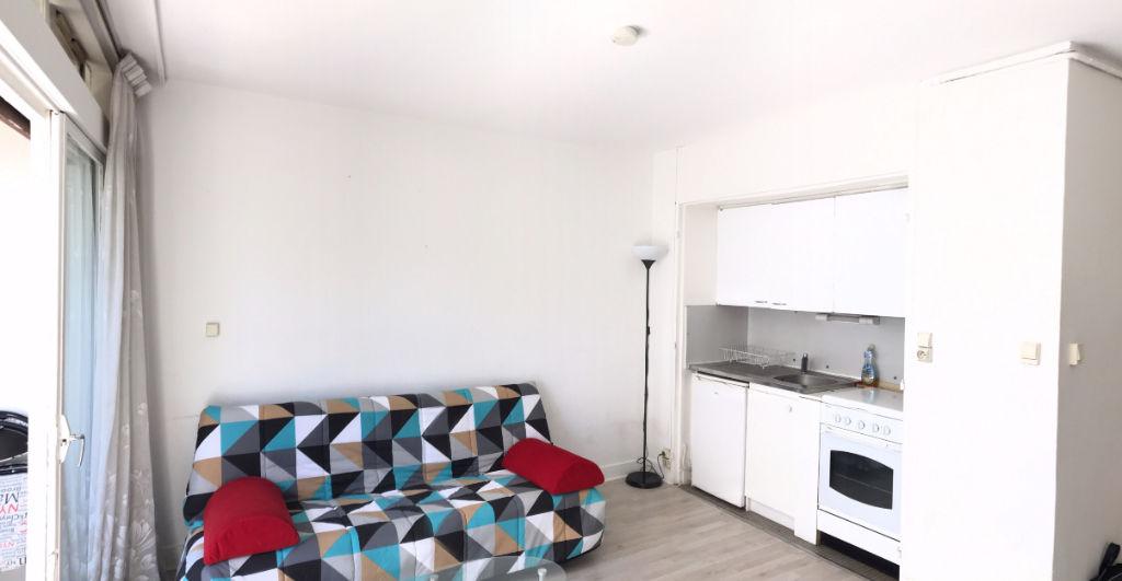 Vanves : Studio 23.5 m² avec loggia + 4 m² de loggia