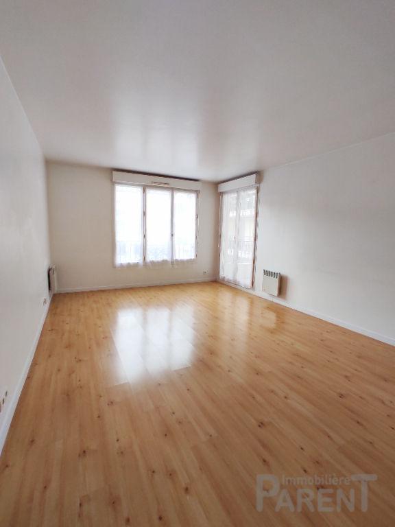 ISSY-LES-MOULINEAUX - 3 pièces de 67,90 m²