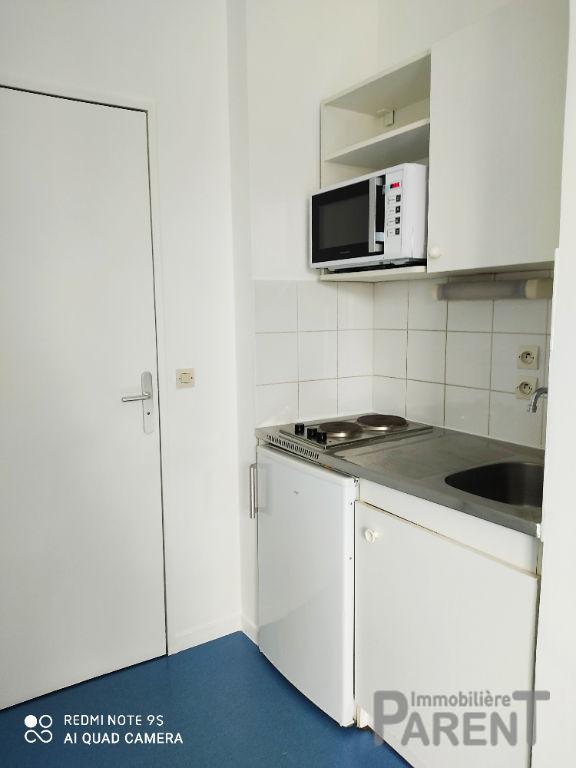 ISSY-LES-MOULINEAUX - Studio MEUBLE de 25,14 m²
