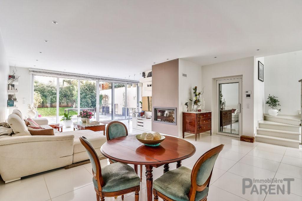 Clamart Bois - Exceptionnelle maison moderne de 2015 - 170 m² sur terrain de 330 m²