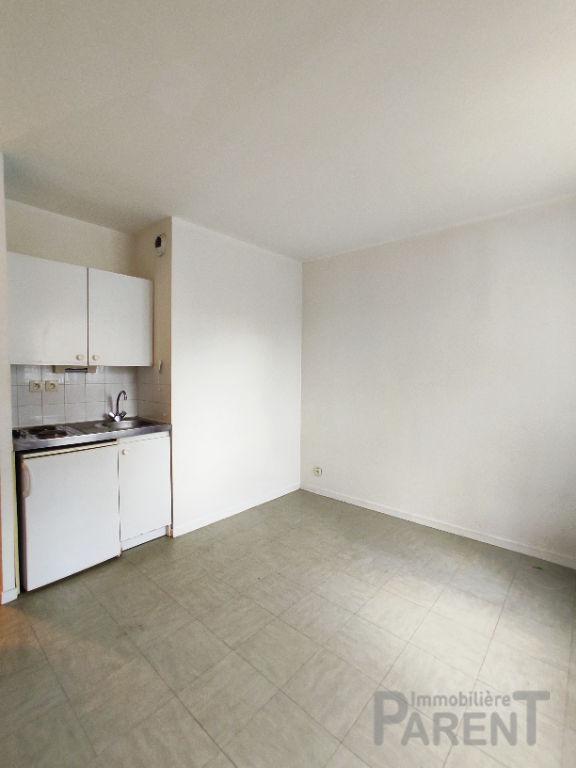 ISSY- LES - MOULINEAUX - Studio de 19,63 m²