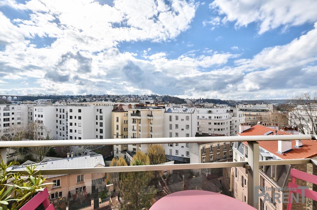 ISSY LA FERME 3 pièce(s) 57 m2 Dernier étage !
