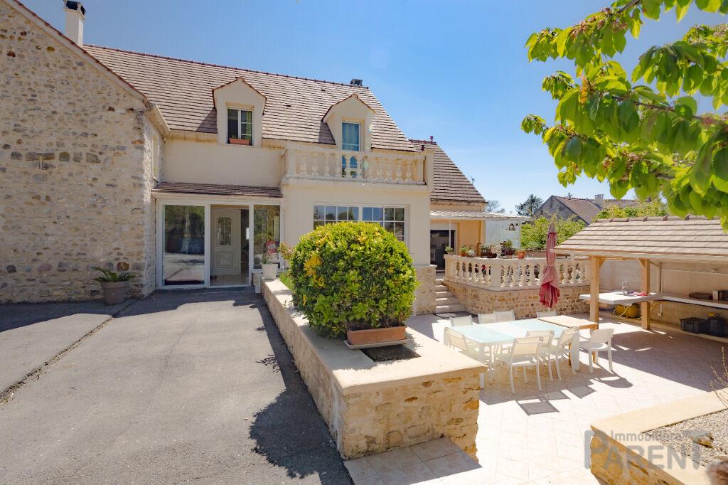 Mondeville : Maison 286 m² sur un terrain de 1627 m²