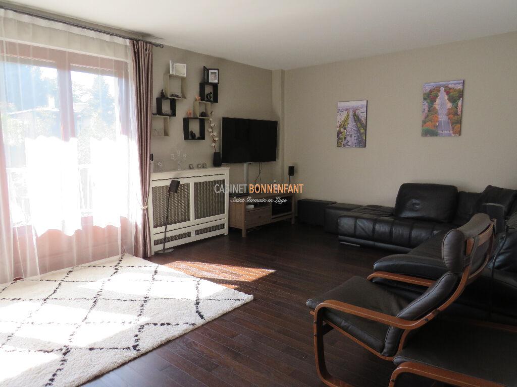 Appartement Saint Germain En Laye 5 pièce(s) 107 m2