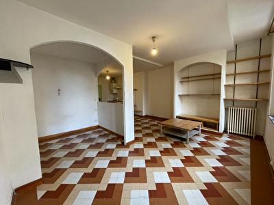 CARCASSONNE - Hyper centre, appartement T1 35 m2 au 1er etage