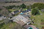 Ensemble immobilier de 950 m² implanté sur un parc de 5 hectares en secteur littoral 1/18