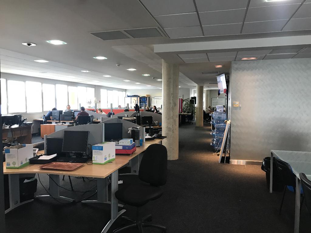 Bureaux situés en hyper centre et excellent état