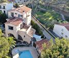 Maison composée de 3 logements avec garage, cave, cuisine d'été et Piscine. 5/12