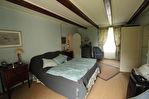 Située à proximité de l'anse de Montmarin, en bord de Rance, propriété de caractère en parfait état sur beau jardin paysagé 10/12