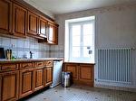 Longère de 134 m2 : 4 chambres, un jardin, plusieurs dépendances et une grande cour. 3/7
