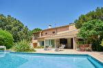 Splendide villa de 230 m² sur un terrain de 1500 m² - Villeneuve-lès-Avignon 1/9