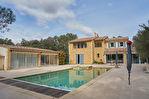 Villa de 300 m² sur 5 000 m² de terrain - Villeneuve-lès-Avignon 4/11