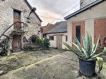 TEXT_PHOTO 9 - A VENDRE maison à rénover avec cour, jardin et garage proche commerces