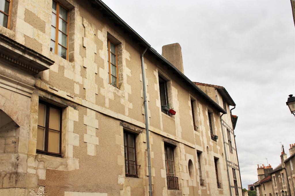 Appartement Poitiers 2 pièces 32 m2 + souplex 22 m² à aménager
