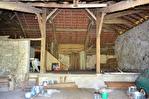Bardos - Ferme à restaurer sur 5600 m² de terrain. Belle vue