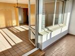 Mairie de BRON  T4 98 m2