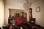 NIMES CENTRE VILLE Maison de ville  ancienne d'environ 211m² avec jardin privatif, terrasse et garage 6/16