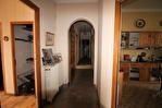 NIMES CENTRE VILLE Maison de ville  ancienne d'environ 211m² avec jardin privatif, terrasse et garage 10/16