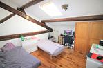 NiMES Appartement rénové de type 3 en duplex de 67,57m² dans une maison ancienne loué 586€HC 7/12
