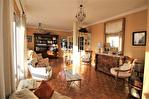 NIMES CENTRE VILLE PREFECTURE Très bel appartement P4 de 105m² avec petite terrasse, cave et garage. 1/18