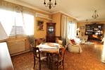 NIMES CENTRE VILLE PREFECTURE Très bel appartement P4 de 105m² avec petite terrasse, cave et garage. 7/18