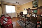 NIMES CENTRE VILLE PREFECTURE Très bel appartement P4 de 105m² avec petite terrasse, cave et garage. 8/18