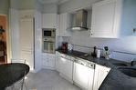NIMES CENTRE VILLE PREFECTURE Très bel appartement P4 de 105m² avec petite terrasse, cave et garage. 10/18