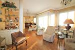 NIMES CENTRE VILLE PREFECTURE Très bel appartement P4 de 105m² avec petite terrasse, cave et garage. 12/18