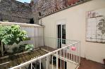 EN EXCLUSIVITE quartier RICHELIEU Maison de ville en R+1 d'environ 89m² avec patio de 19m² . 8/18
