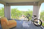 EN EXCLUSIVITE NIMES GAZELLE Beau P2 loué dans résidence avec piscine , ascenseur et parking 2/12
