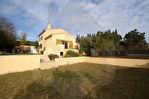 Maison à vendre 6 pièces avec piscine garage et dépendance à St Julien les Martigues. 15/15