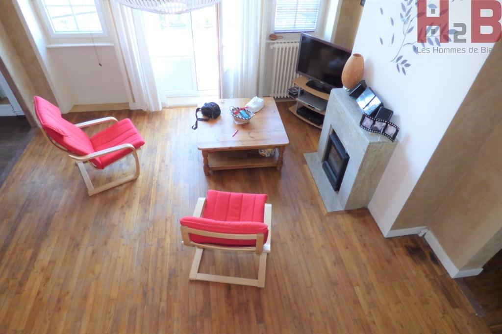 A Saint-Malo, à vendre un appartement trois pièces au dernier étage dans le quartier de St-Servan