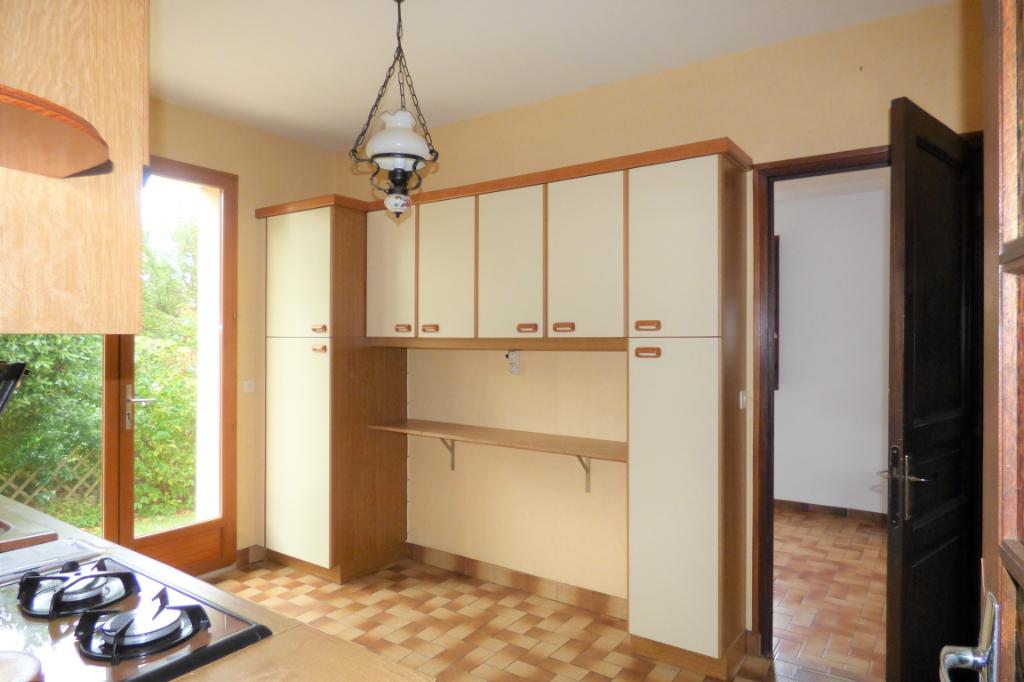 A Saint-Malo, maison cinq chambres dont une au rez de chaussée, quartier de St Servan