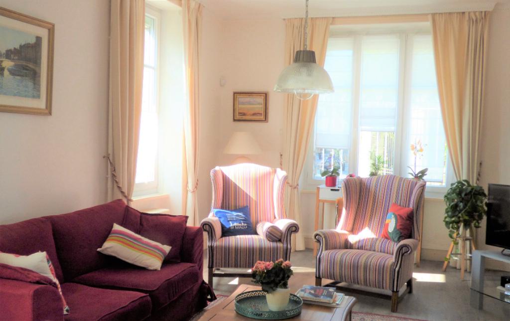 Superbe villa , proche plage et commerces à Saint-Malo