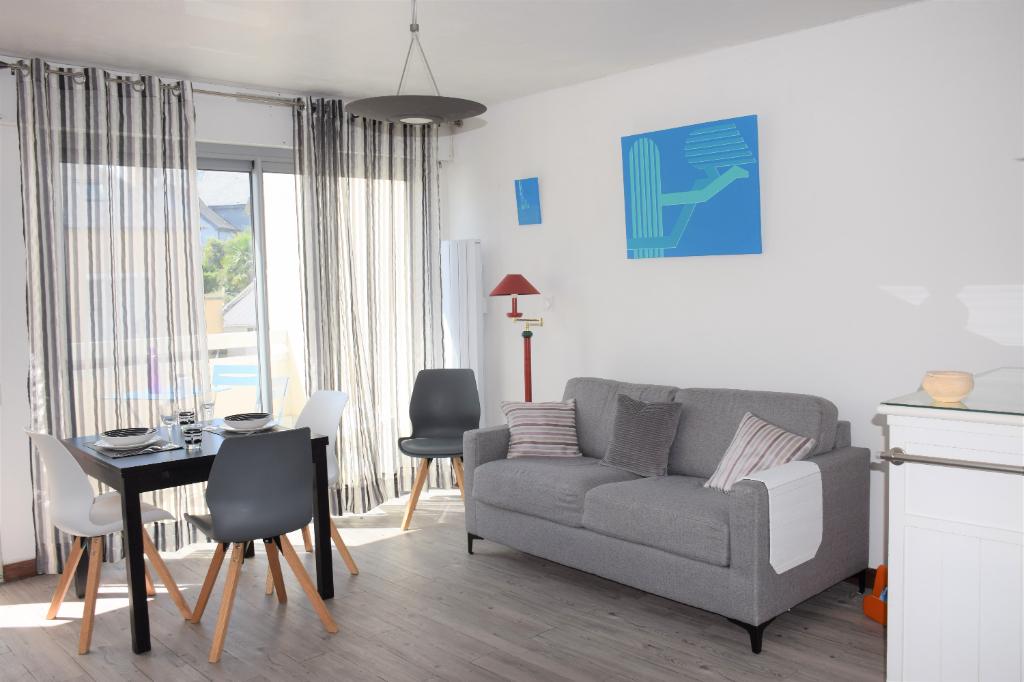 Bel appartement une pièce à Dinard, avec stationnement