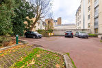 Exclusivité. Versailles centre, surface bureaux de 100 m² + possibilité 2 places de parking. 9/12