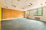 Exclusivité. Versailles centre, surface bureaux de 59 m² + possibilité 1 place de parking. 1/9