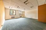 Exclusivité. Versailles centre, surface bureaux de 59 m² + possibilité 1 place de parking. 3/9