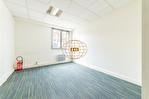 Exclusivité. Versailles centre, surface bureaux de 59 m² + possibilité 1 place de parking. 5/9