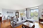 Exclusivité. Intersection rue Charles Floquet / route de l'Empereur. Dernier étage, bel appartement de 6 pièces de 130 m2  avec balcon dans un environnement verdoyant. 4/17